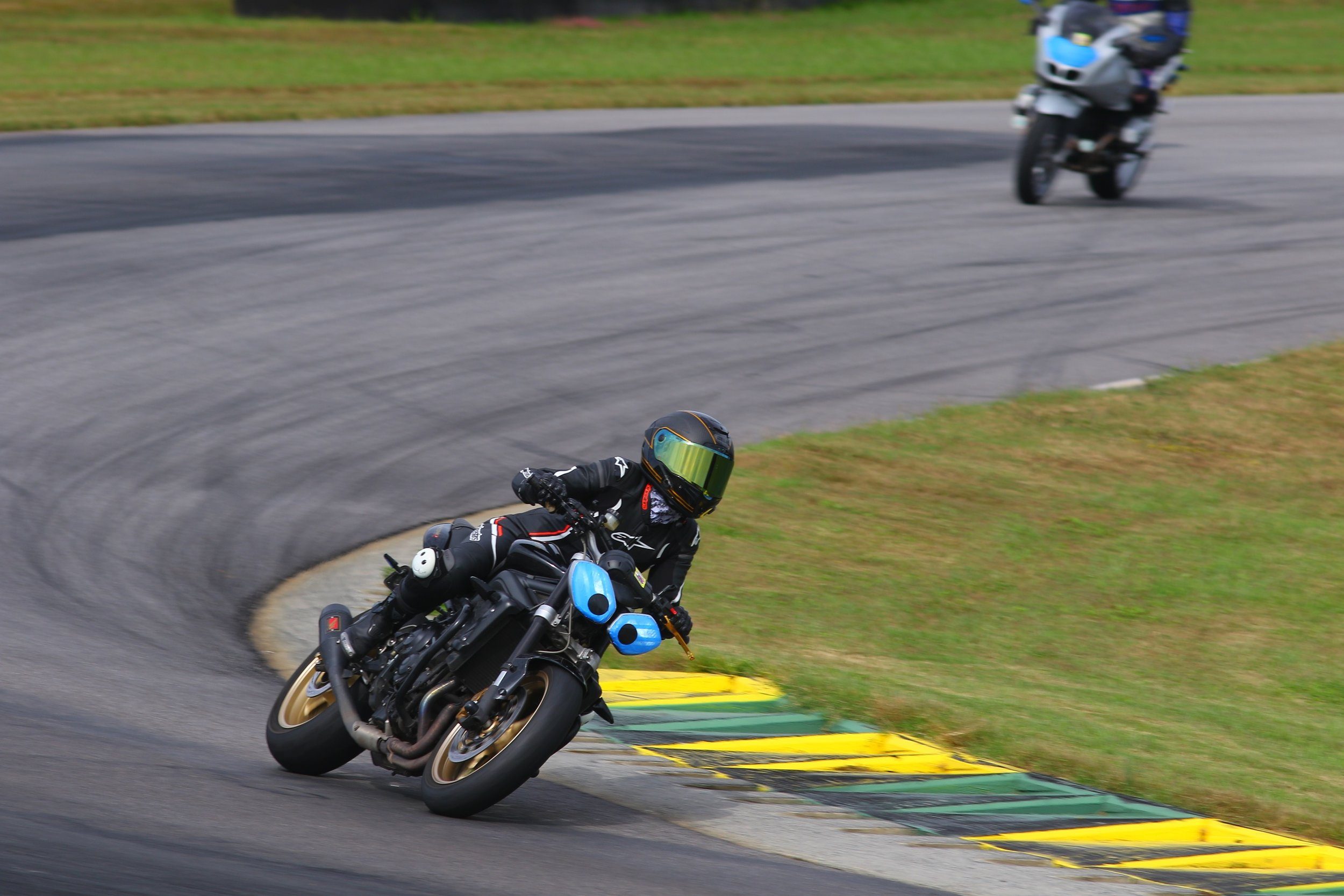 Trying my best to hug those apexes and keep a tight, inside line per the Mantra of Reg Pridmore.