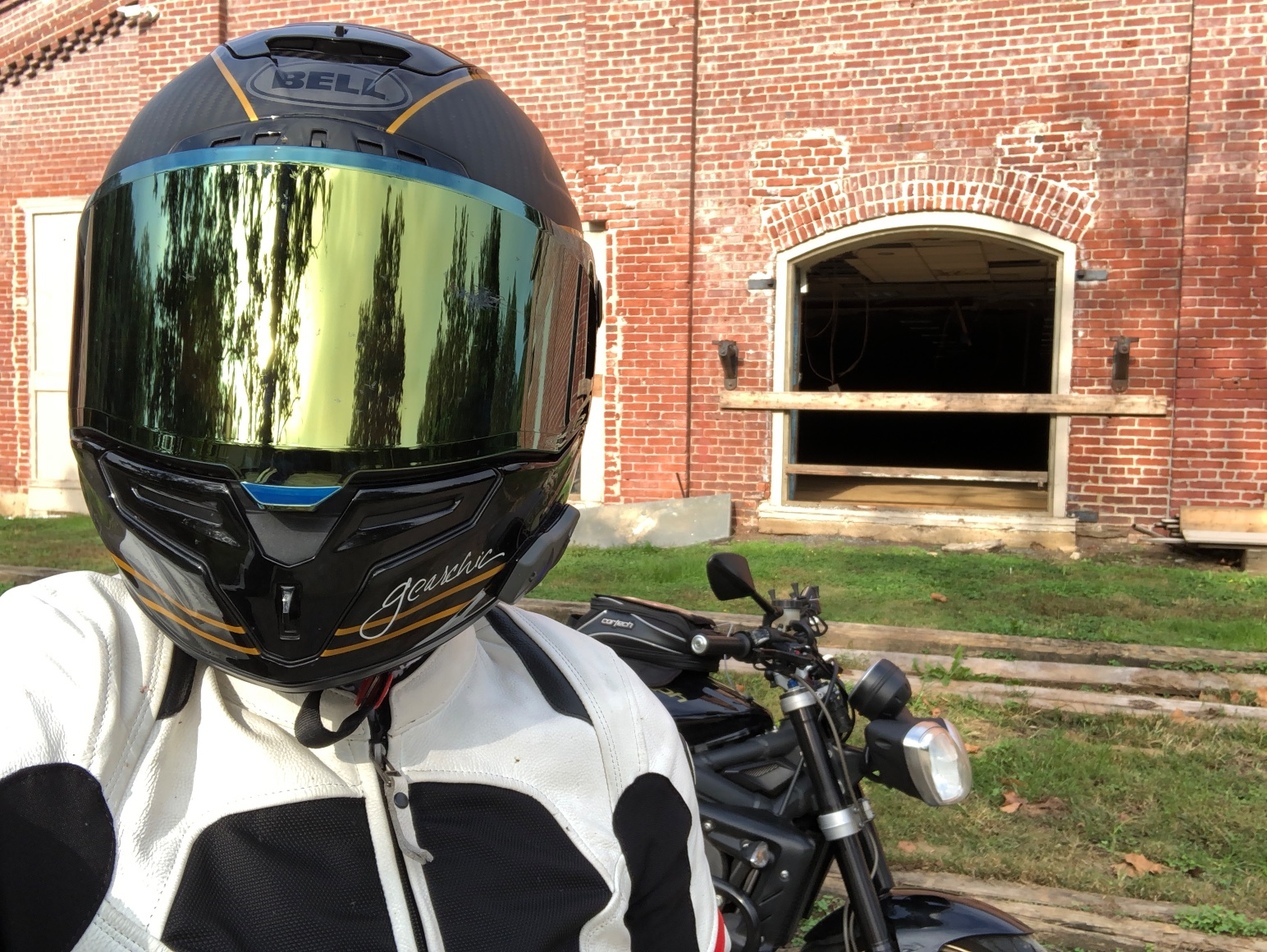 Goldie and I, out and about on the backroads of Delaware for a short afternoon ride. This helmet makes me so vain!