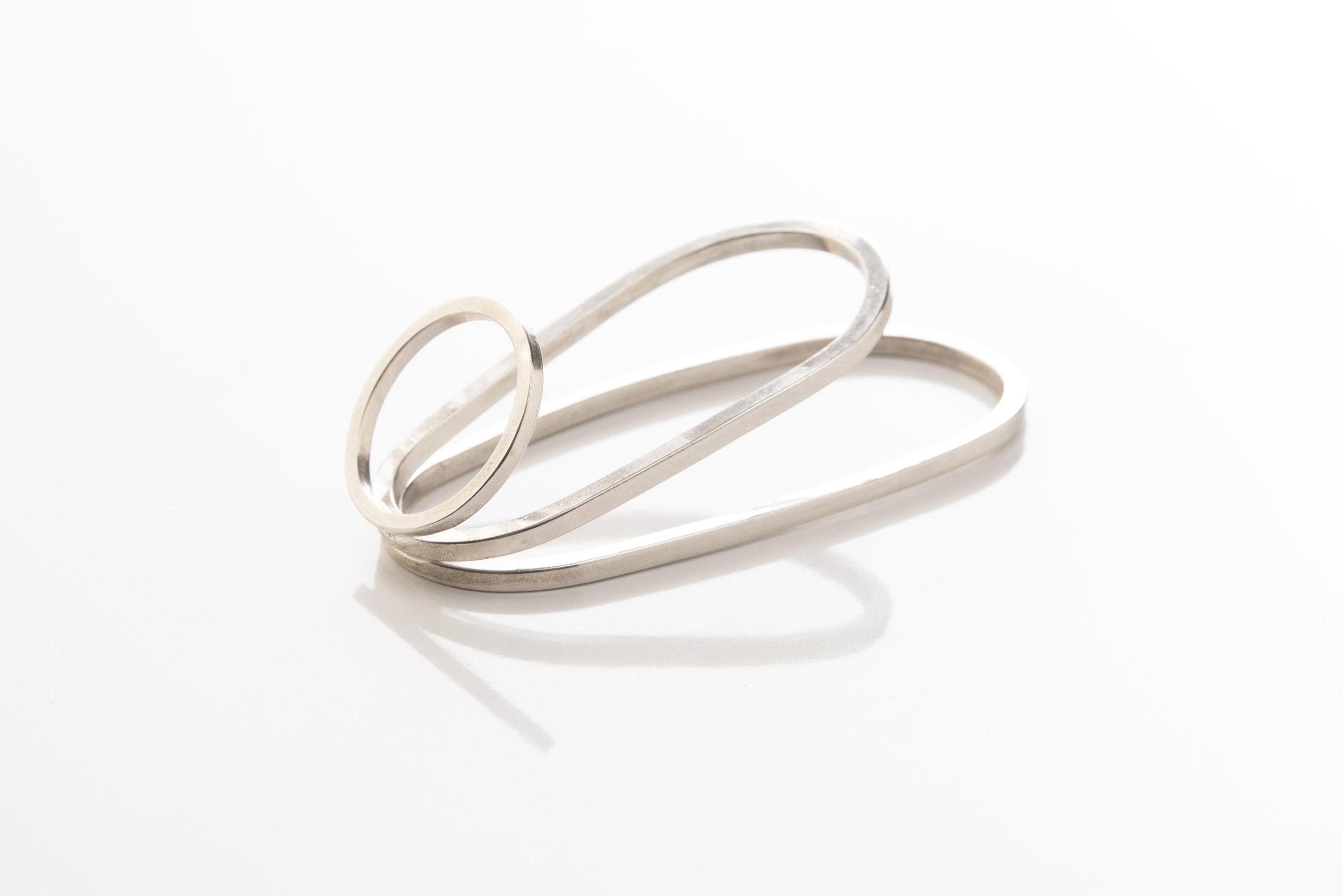 17_Ulterior_triple band double finger ring.jpg