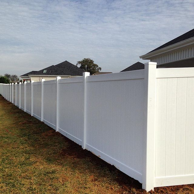 6ft tall solid vinyl privacy fence in Hopkinsville, KY #fence #vinyl #kentucky #fenceline #fenceit #westernkentucky