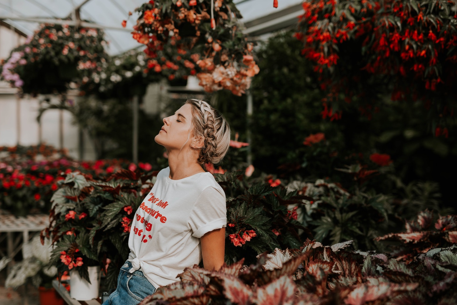 Working on building up your self confidence? Download a free checklist of 6 common confidence shakers for millennial women, and tips on  how to overcome them.