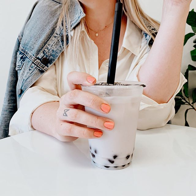 Am I enjoying my taro bubble tea or plotting a world takeover through empowered women in leadership?⠀⠀⠀⠀⠀⠀⠀⠀⠀ ⠀⠀⠀⠀⠀⠀⠀⠀⠀ Probs both 😂⠀⠀⠀⠀⠀⠀⠀⠀⠀ ⠀⠀⠀⠀⠀⠀⠀⠀⠀ ⠀⠀⠀⠀⠀⠀⠀⠀⠀ #flashesofdelight #thatsdarling #girlbossmagic #societygal #goaldiggersociety #dontquityourdaydream #womenwithambition #bloomyellow #creativityfound #designalifeyoulove #britstagram #womensupportingwomen #thehappynow #livethelittlethings #myeverydaymagic #nothingisordinary #aquietstyle #seekmoments #inbeautyandchaos #liveyourpurpose #nashvillelifecoach #nashvillelifestyles #tezzaapp