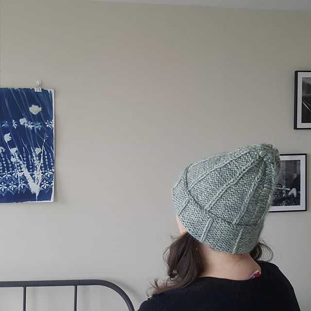 I finished knitting my very first hat! With the very generous guidance of @kellymckaig.stylist.maker and the ladies @nina_chicago This is like finishing a book; I'm not sure what to do with myself now that this project is over. What's my next one going to be?  #knitsaboutwinter #nothingisordinary #livemoremagic #knitting #knittingintheround