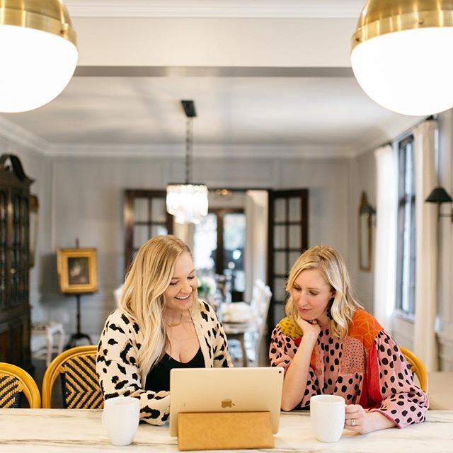 Talking all things social media with my girl @thebuzzingblonde this Sunday morning!  I have known Maddie for 7 years. From our high school babysitter turned nanny, we watched her graduate from college and become a badass entrepreneur.  What's something you'd like to see from us this year?!