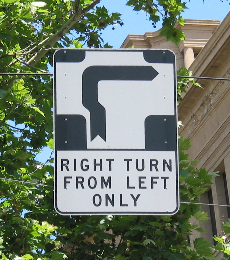 Hook_Turn_Sign_Melbourne.jpg