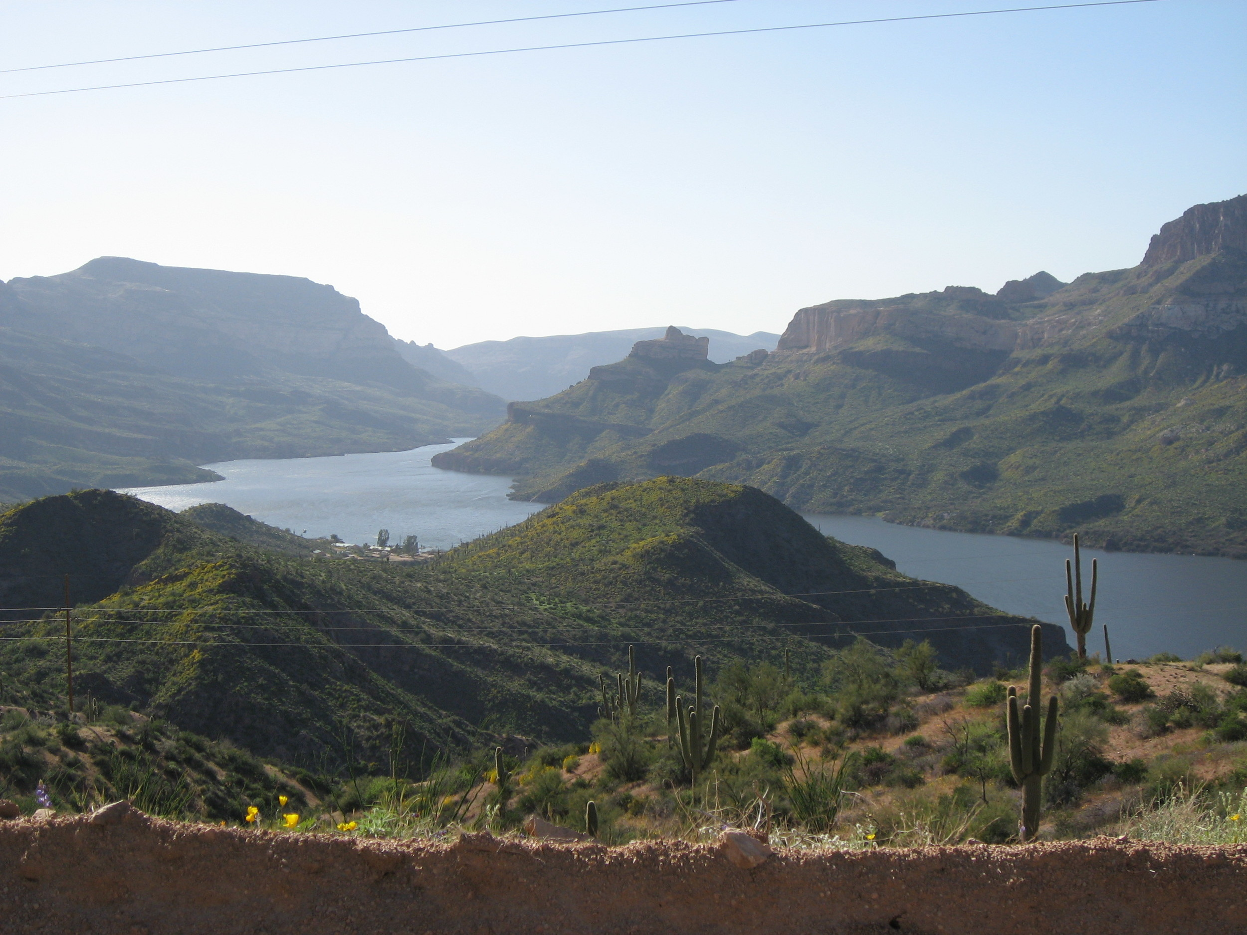 Apache Trail Scenic Byway,  photo  by eflon /  CC BY