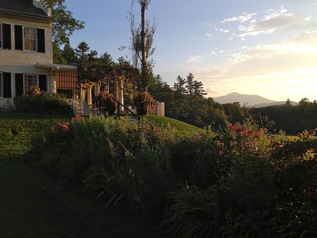 Saint-Gaudens National Historic Site at sunset. Photo by  Marianna Foral  /  CC BY