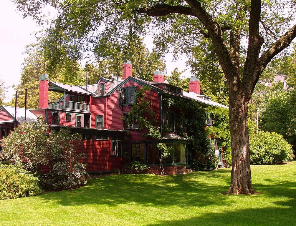 The Olmsted house. Photo by  Daderot  /  CC BY