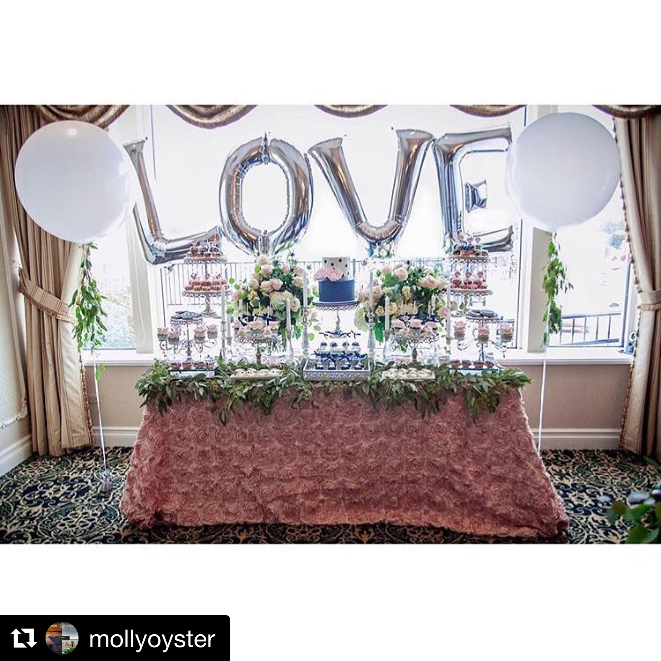 mollyoysterWe LOVE that we are in the business of celebrating LOVE! ❤️ 📸: @cristinkellydesign . . . #wedding #celebrate #weekend #mollypitcherinn #party #rumson #redbank #coltsneck #holmdel