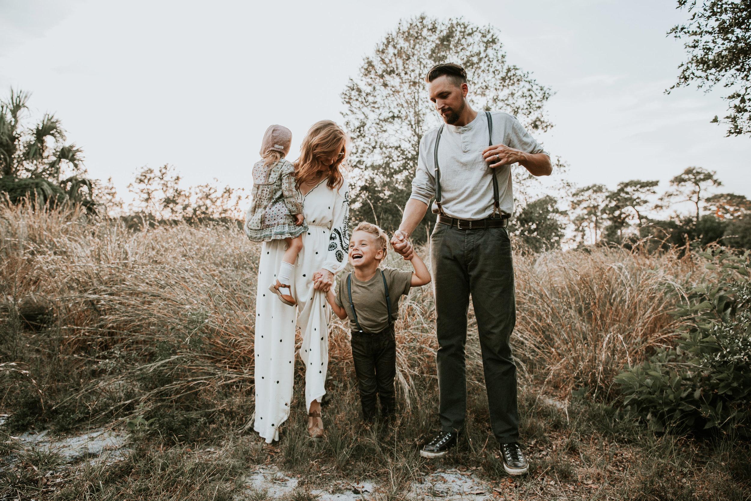 Family Photography:  Mari Sabra Photograph y