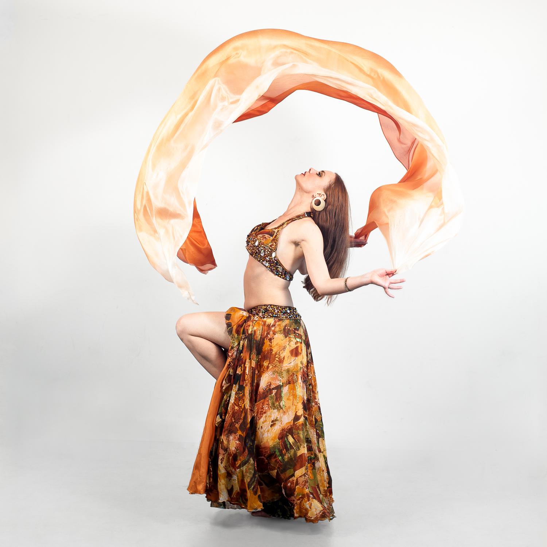 EmilieLauren-Dance-in-studio-4.jpg