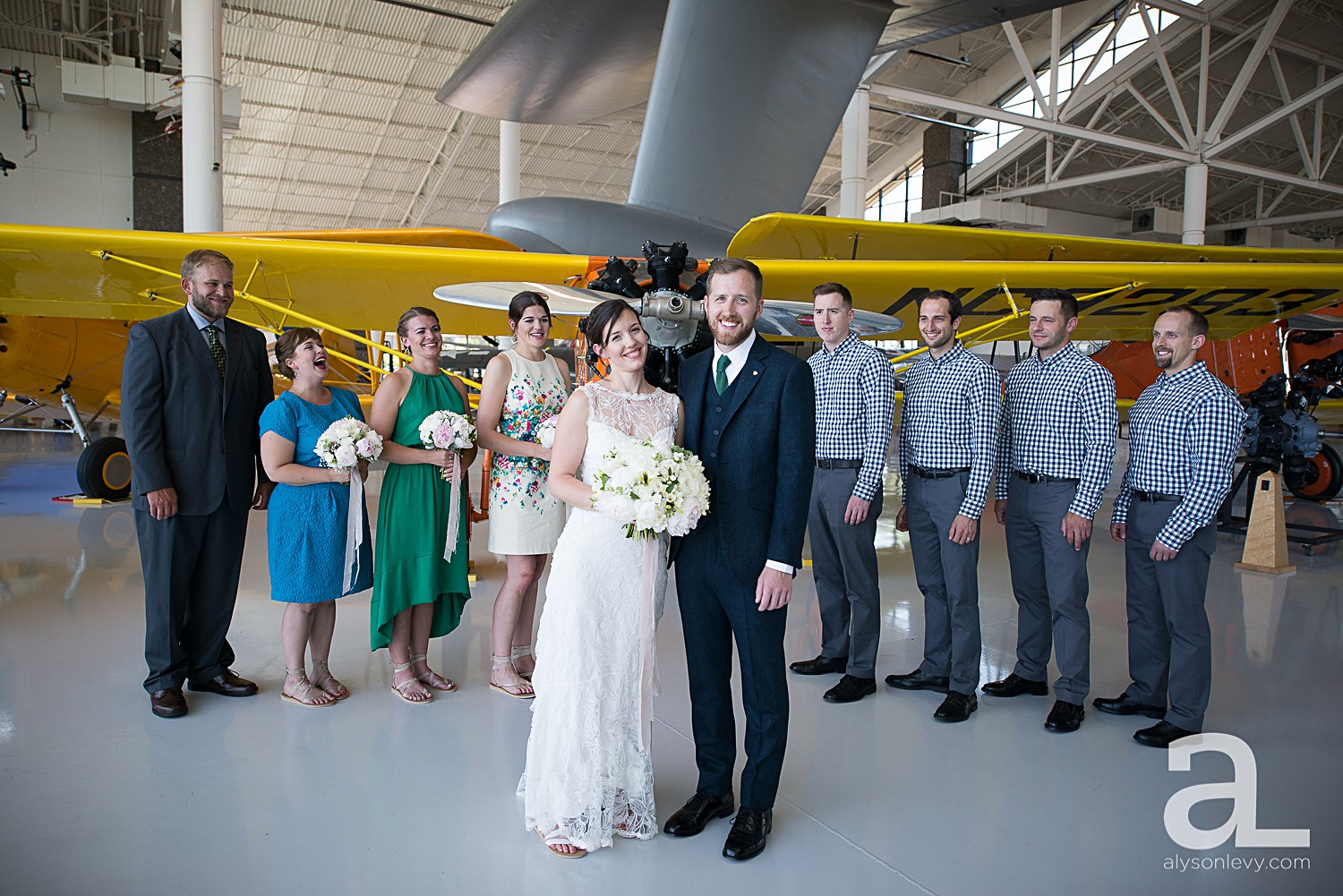 McMinnville-Aviation-Museum-Wedding-Photography_0011.jpg