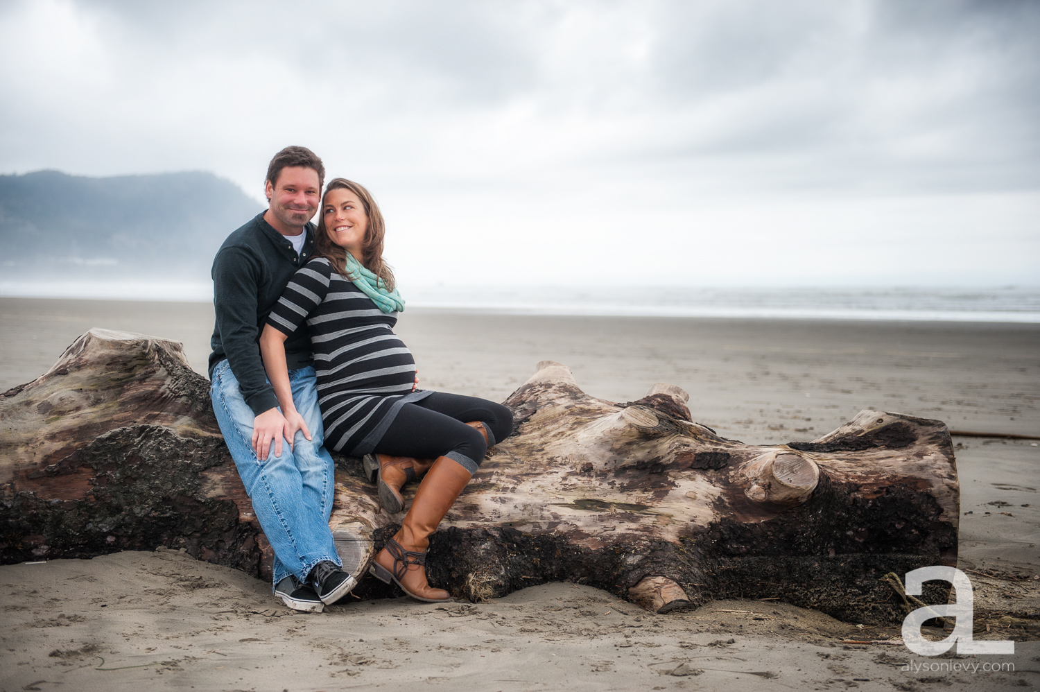 Oregon-Coast-Maternity-Photography-003.jpg