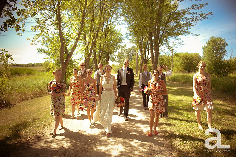 Minneapolis-Farmhouse-Wedding-Photography_0008.jpg
