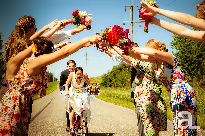 Minneapolis-Farmhouse-Wedding-Photography_0010.jpg