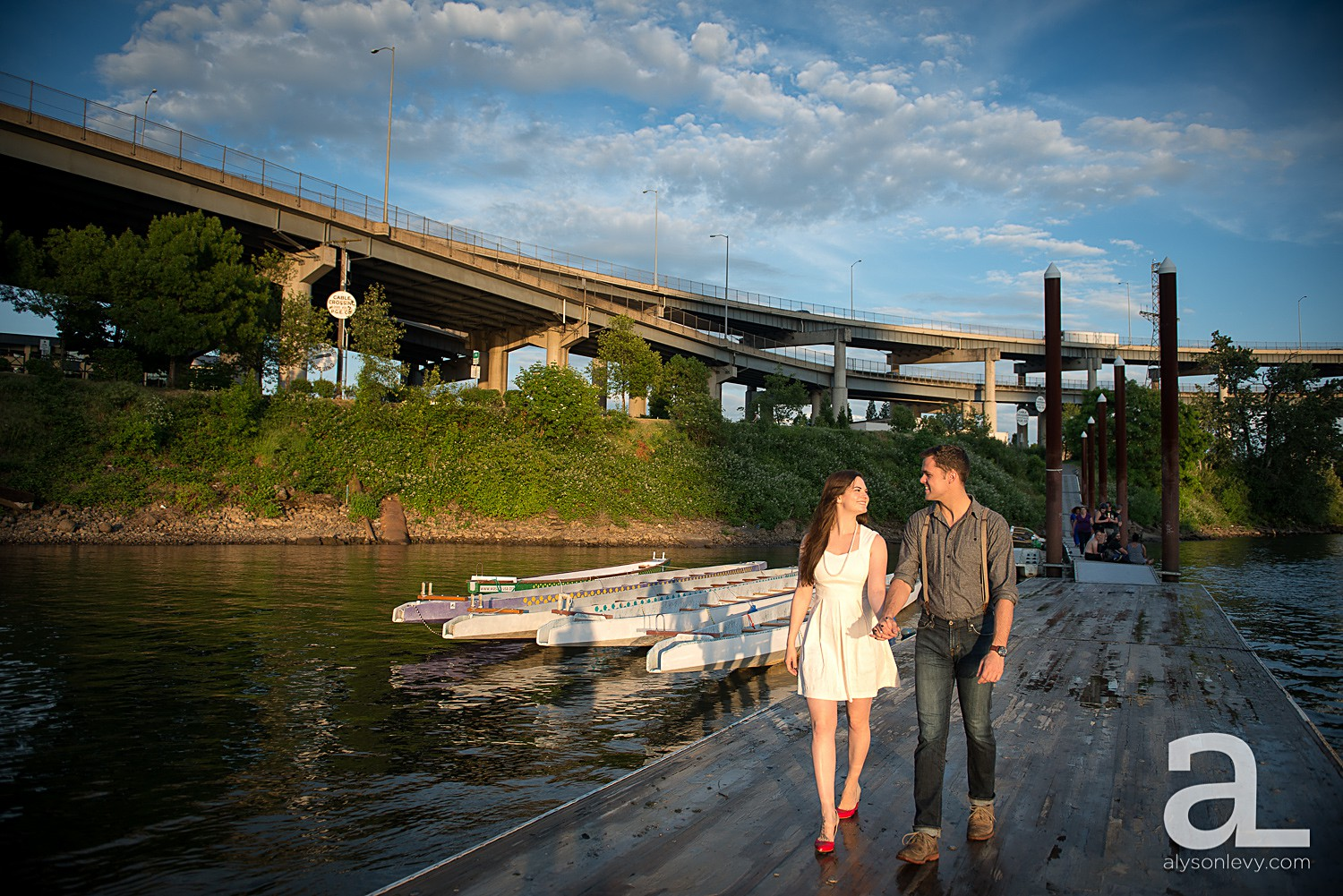 Portland-Waterfront-Engagement-Session_0002.jpg