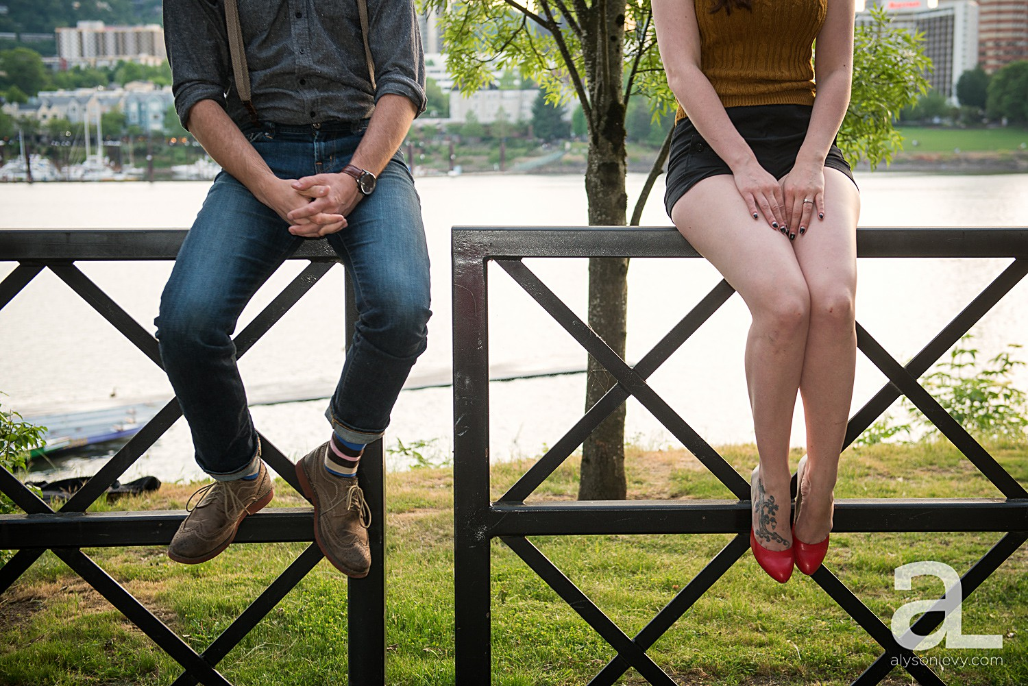 Portland-Waterfront-Engagement-Session_0012.jpg