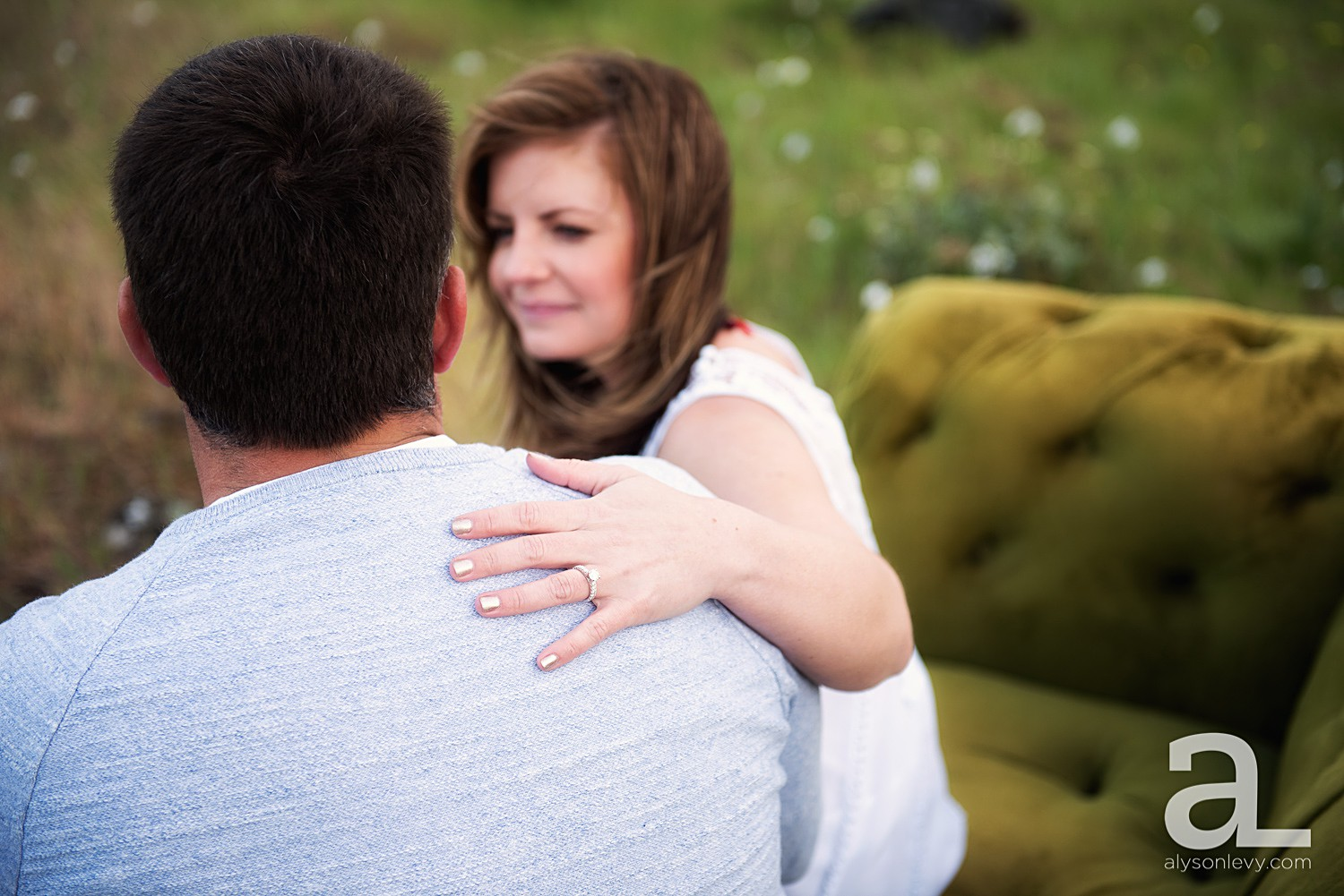 Columbia-River-Gorge-Engagement-Photography-Session_0008.jpg