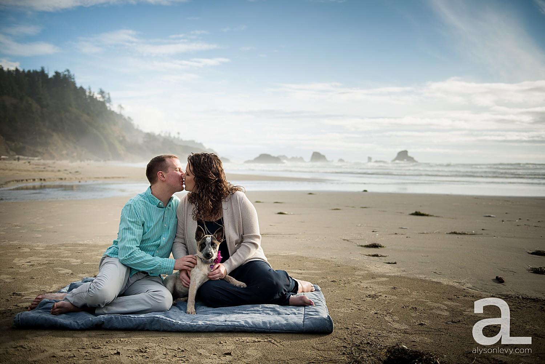 Oregon-Coast-Engagement-Photography_0001.jpg