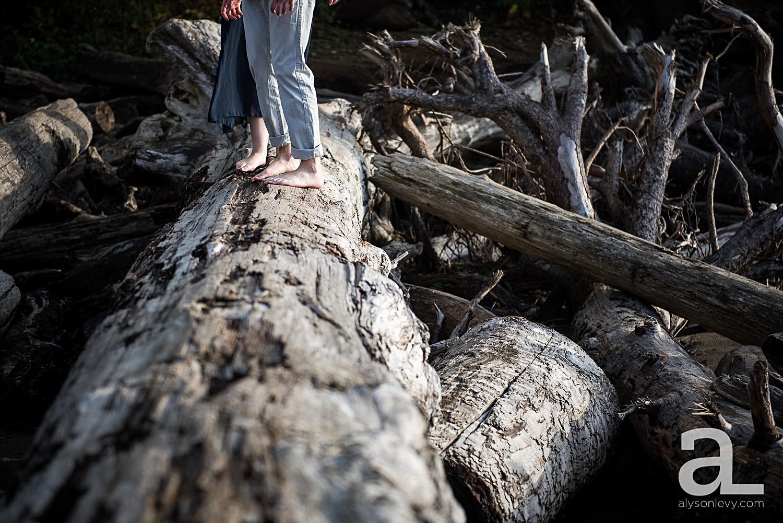 Oregon-Coast-Engagement-Photography_0005.jpg