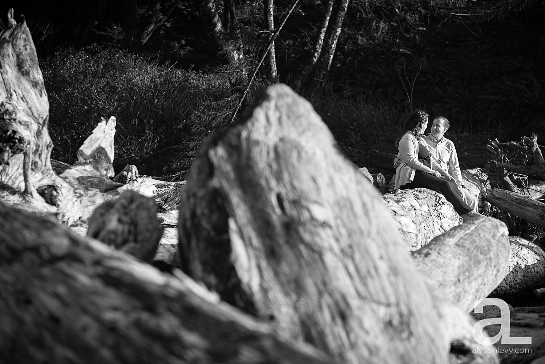 Oregon-Coast-Engagement-Photography_0006.jpg