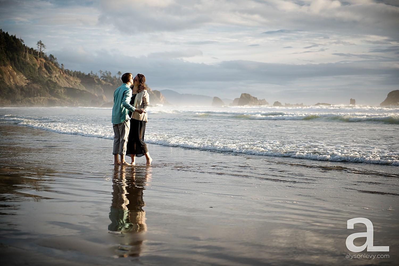 Oregon-Coast-Engagement-Photography_0015.jpg