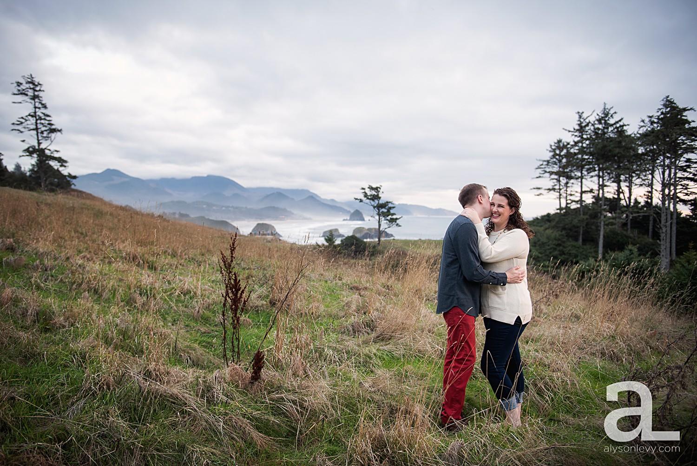 Oregon-Coast-Engagement-Photography_0019.jpg