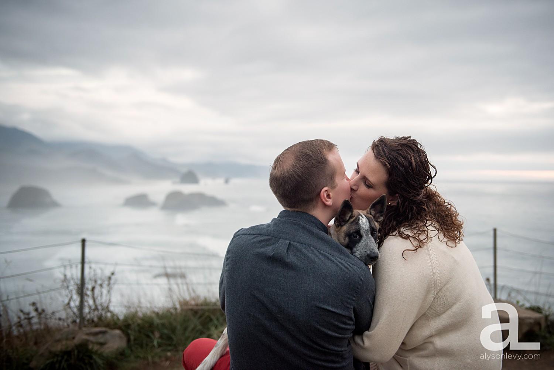 Oregon-Coast-Engagement-Photography_0023.jpg