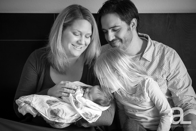 Portland-Newborn-Photography_0011.jpg