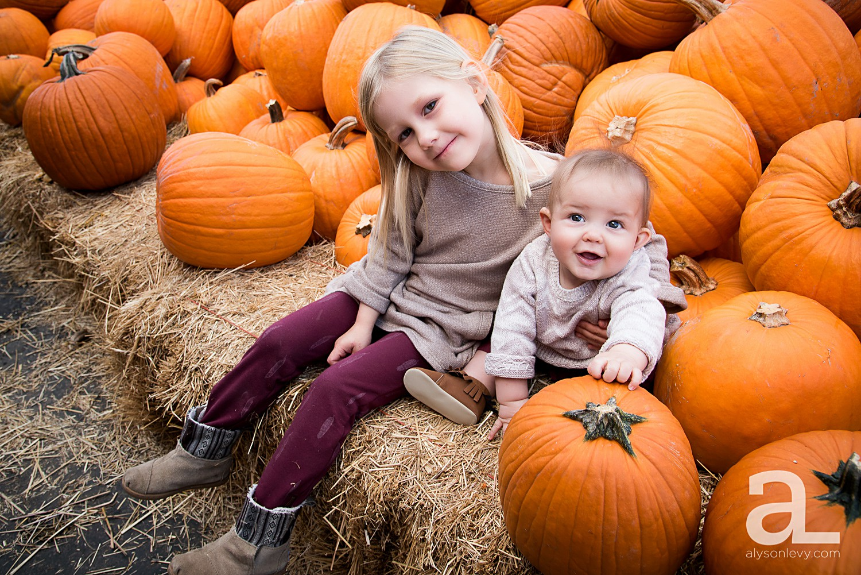 Sauvie-Island-Pumpkin-Patch-Family-Photography_0016.jpg
