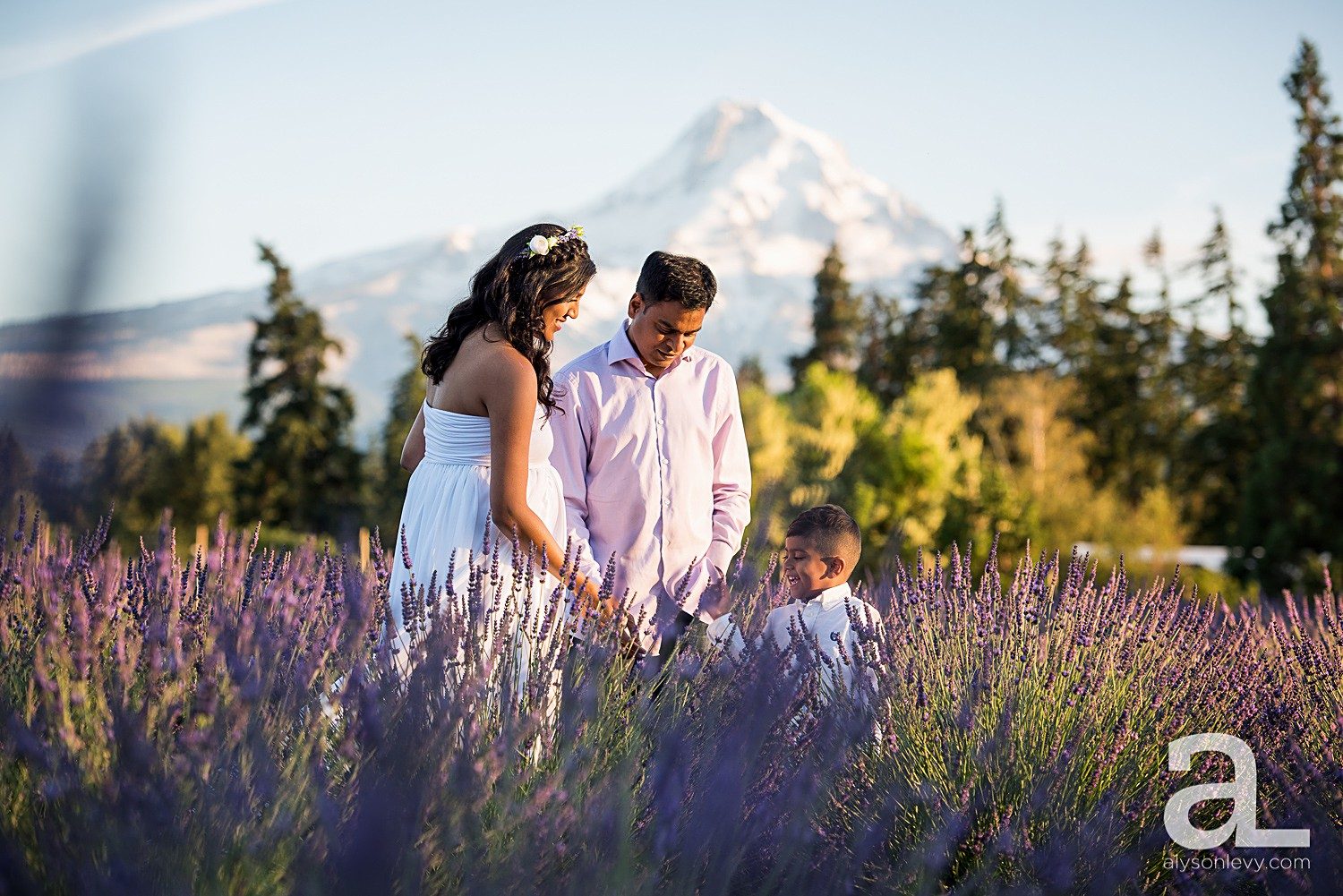 Hood-River-Lavender-Valley-Maternity-Photography_0009.jpg