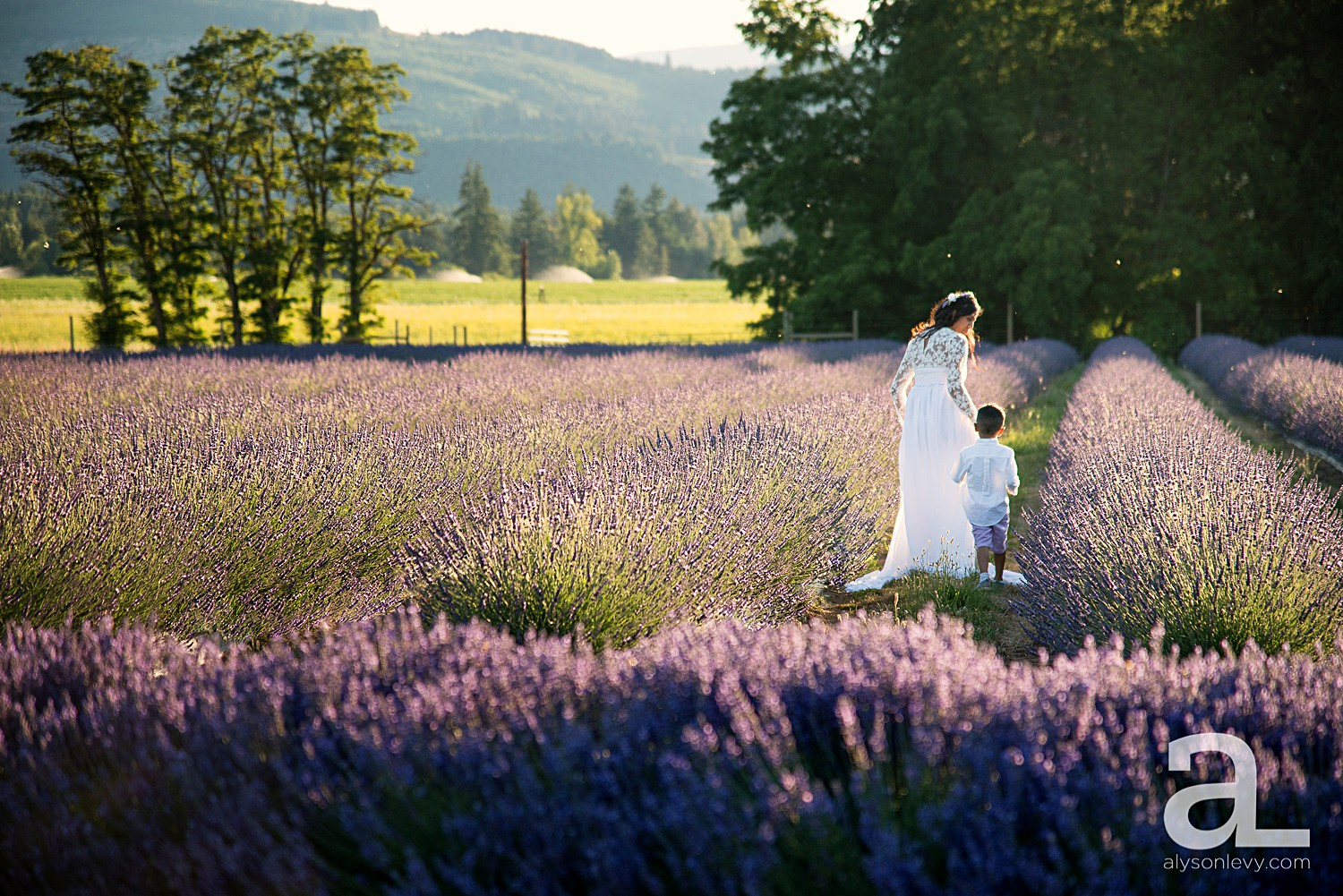 Hood-River-Lavender-Valley-Maternity-Photography_0012.jpg