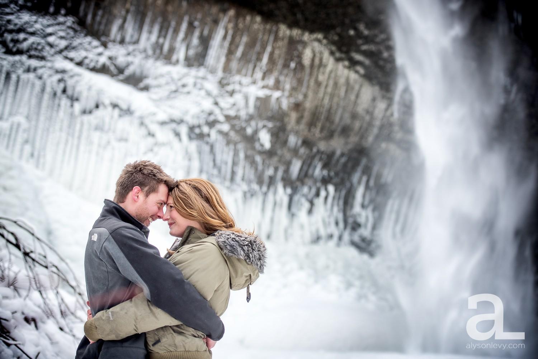 Portland-Winter-Engagement-Photography_0002.jpg