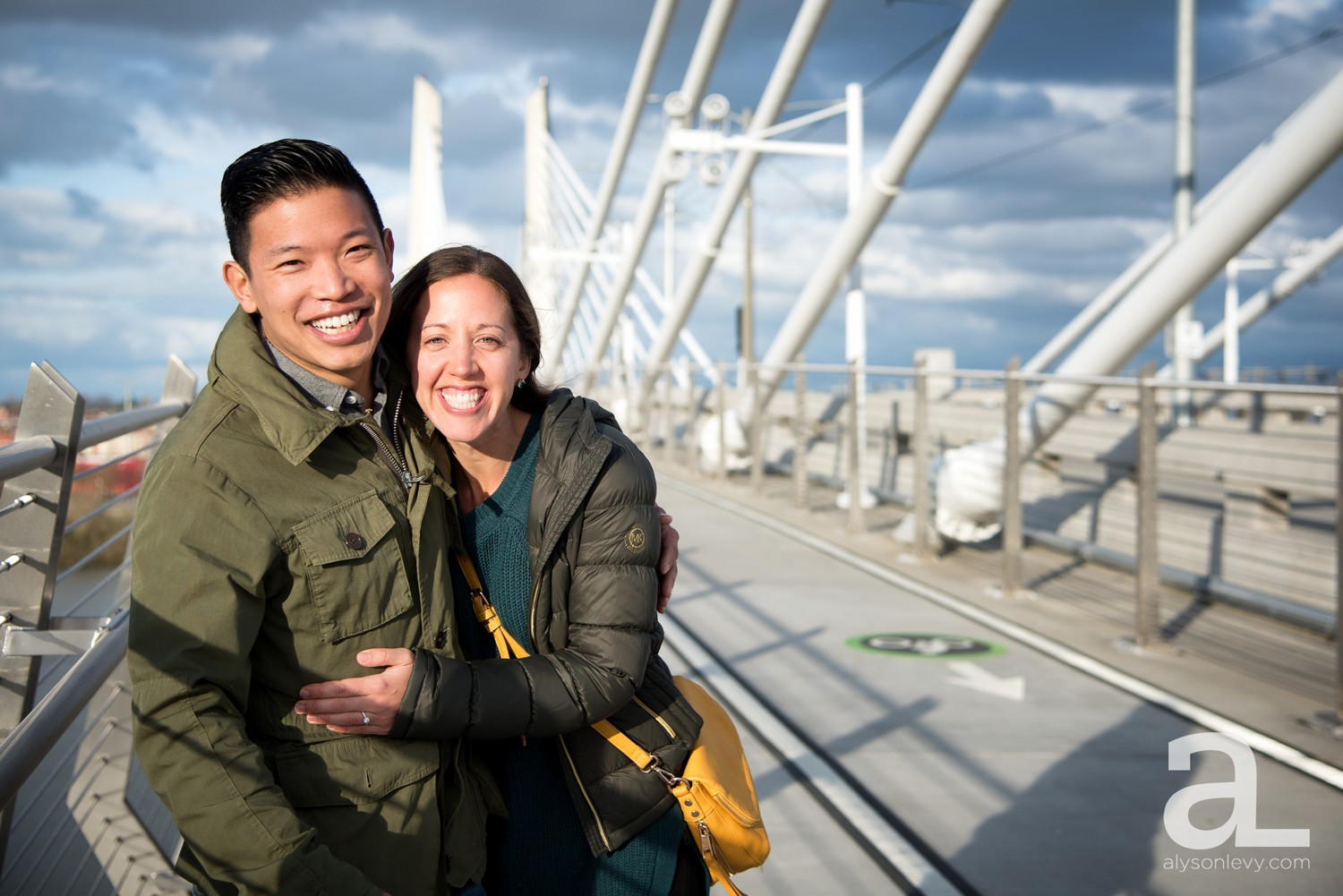 Portland-Tilikum-Bridge-Proposal-Engagement-Photography_0002.jpg