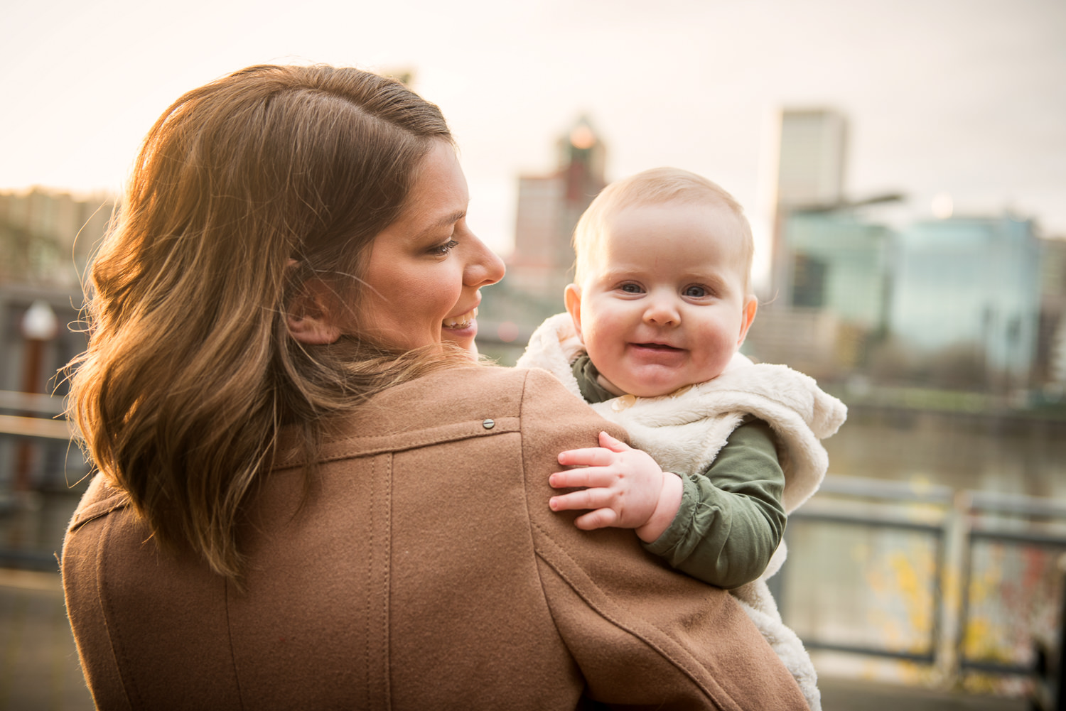 Portland-Waterfront-Family-Baby-Photography-006.jpg