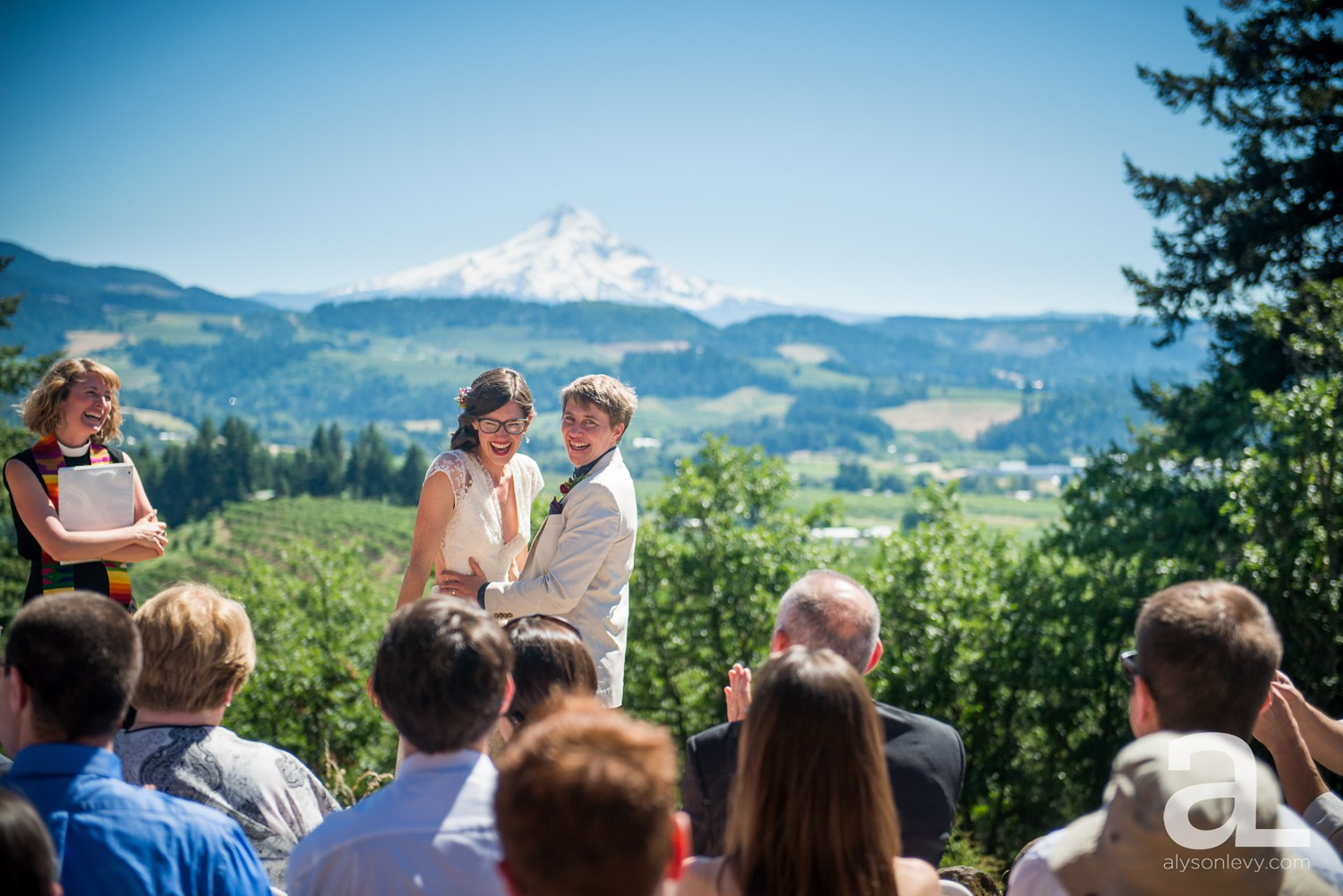 Mt-Hood-Oregon-Wedding-Photography-Crag-Rat-Hut-Hood-River_0043.jpg