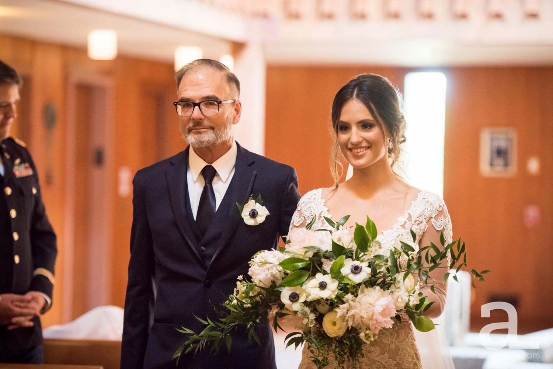 Portland-Oregon-Wedding-Photography-PortlandSpirit-Waterfront_0030.jpg