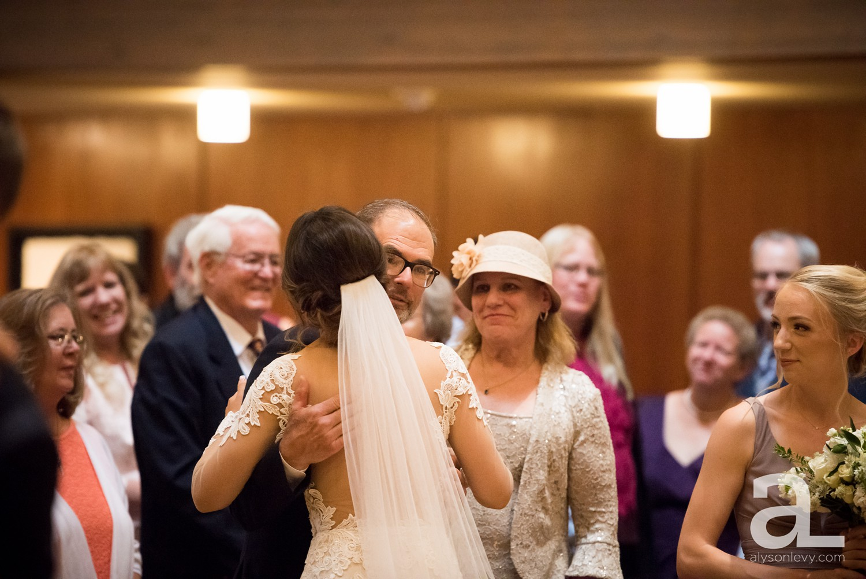 Portland-Oregon-Wedding-Photography-PortlandSpirit-Waterfront_0050.jpg