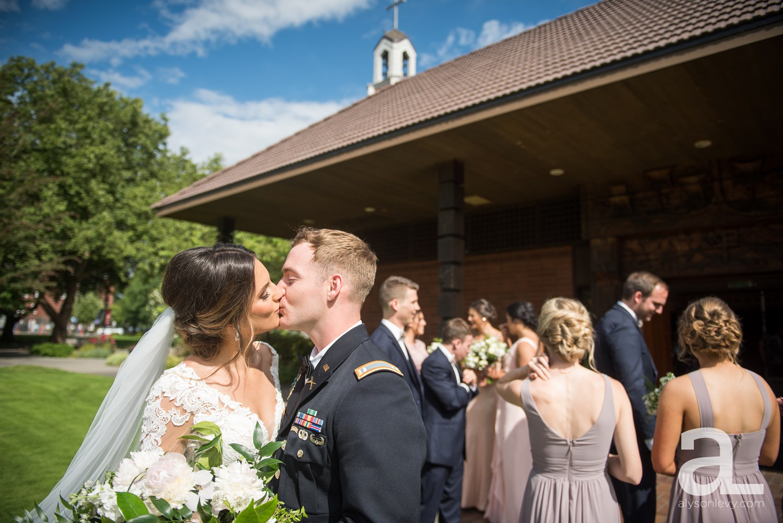 Portland-Oregon-Wedding-Photography-PortlandSpirit-Waterfront_0057.jpg