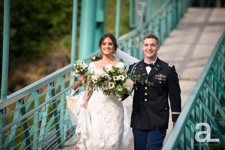 Portland-Oregon-Wedding-Photography-PortlandSpirit-Waterfront_0073.jpg