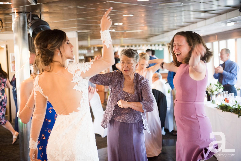 Portland-Oregon-Wedding-Photography-PortlandSpirit-Waterfront_0091.jpg
