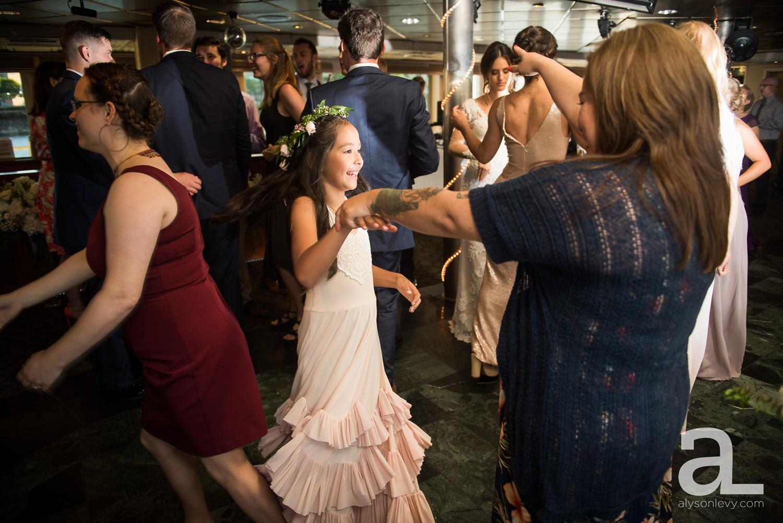 Portland-Oregon-Wedding-Photography-PortlandSpirit-Waterfront_0092.jpg