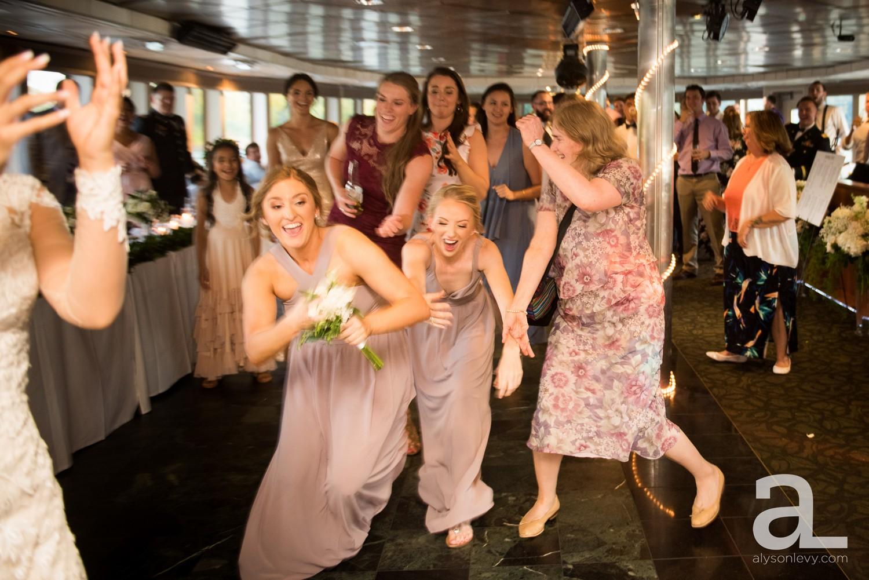 Portland-Oregon-Wedding-Photography-PortlandSpirit-Waterfront_0105.jpg