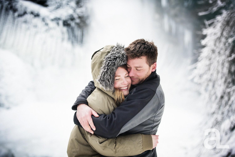 Portland-Winter-Engagement-Photography_0009.jpg