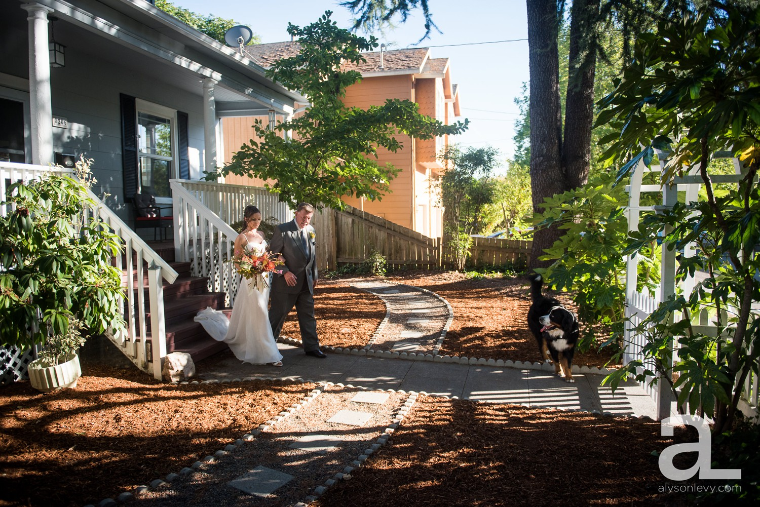 Portland-Backyard-Wedding-Photography_0008.jpg