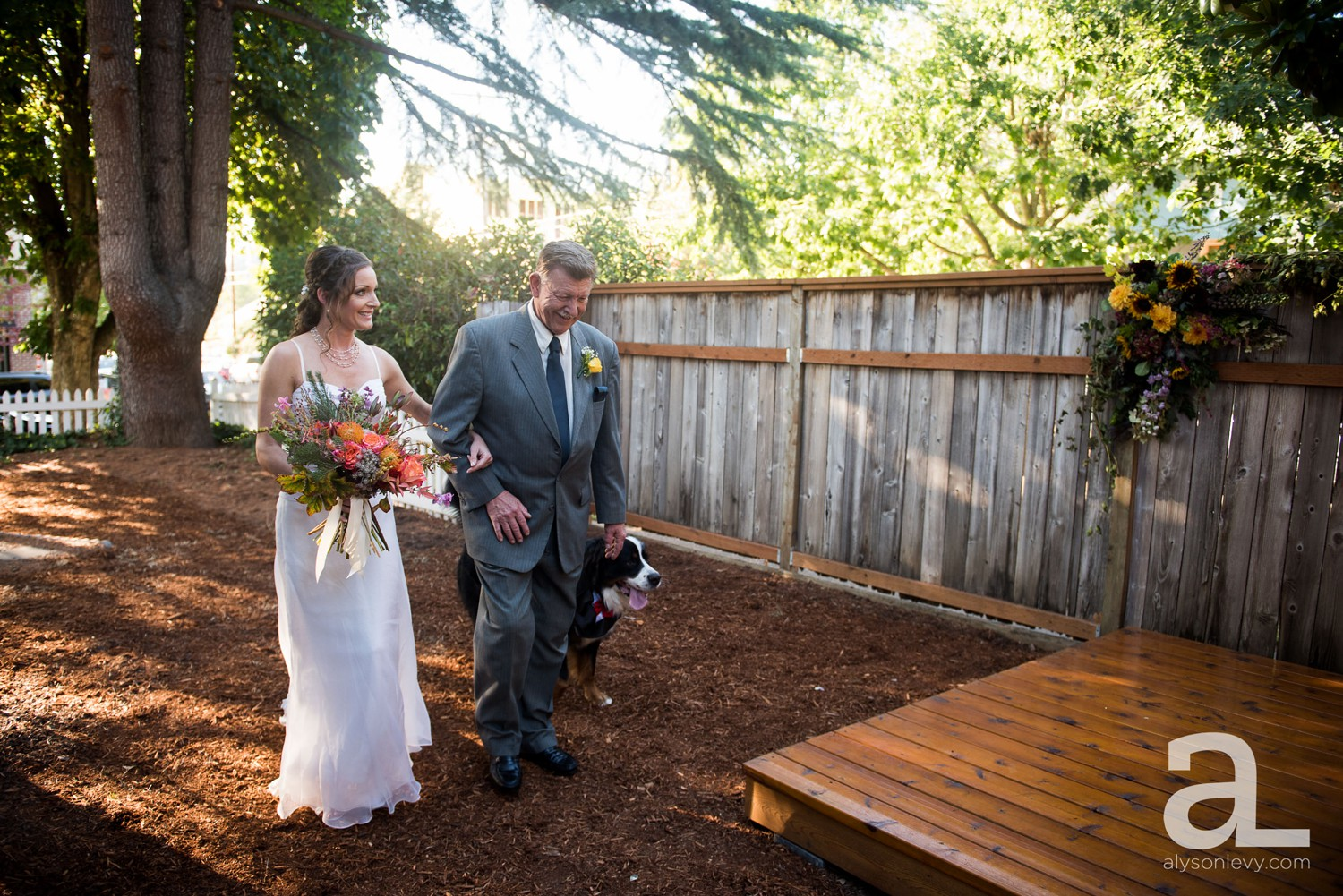 Portland-Backyard-Wedding-Photography_0009.jpg