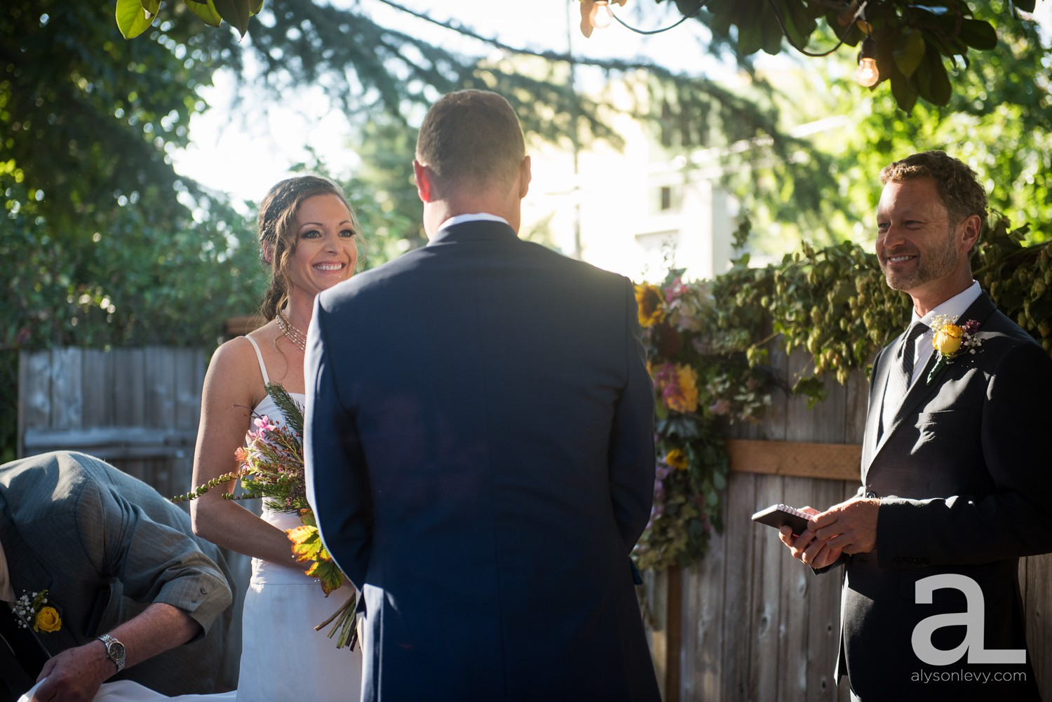 Portland-Backyard-Wedding-Photography_0012.jpg
