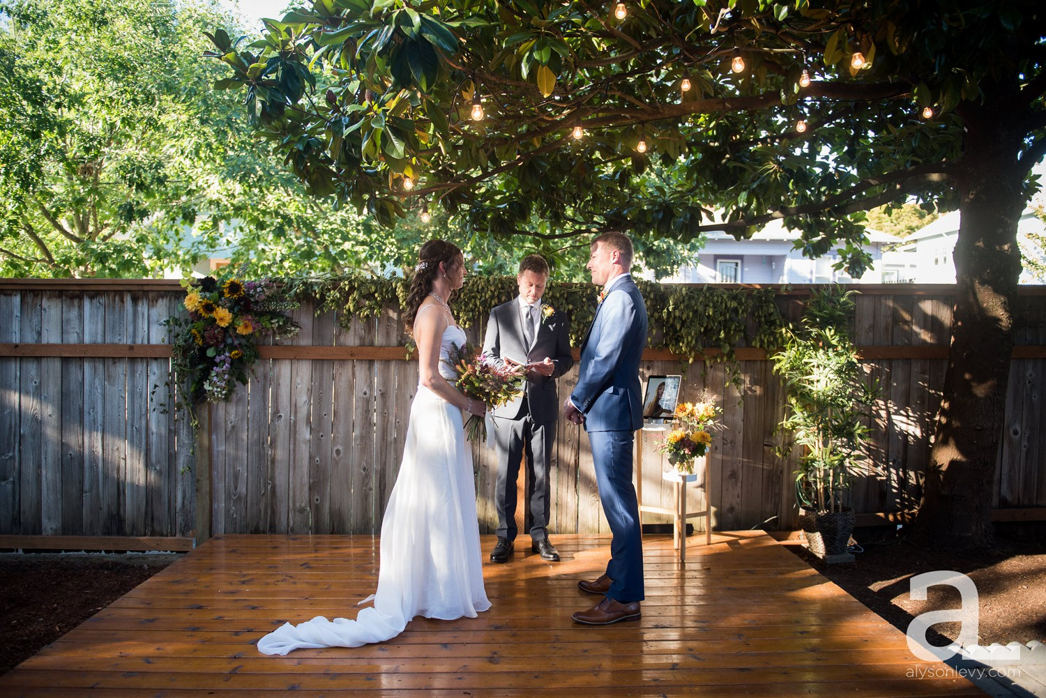 Portland-Backyard-Wedding-Photography_0015.jpg