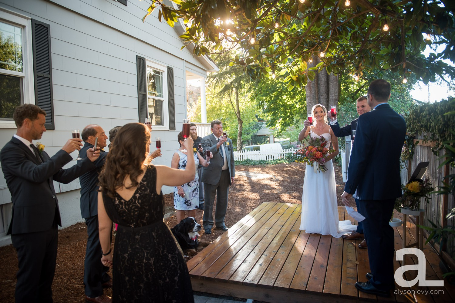 Portland-Backyard-Wedding-Photography_0029.jpg