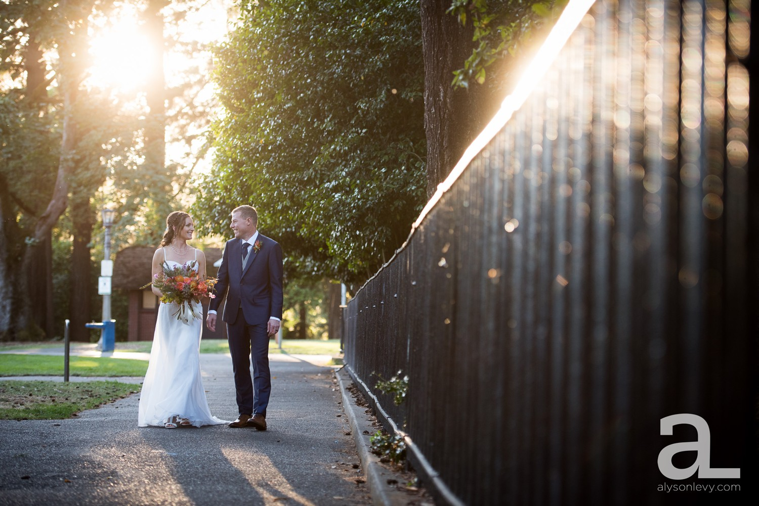 Portland-Backyard-Wedding-Photography_0037.jpg